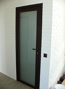 Дверь алюминиевая Alutech Alt111